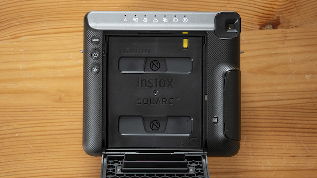 how to put film into instax sqaure sq6-4