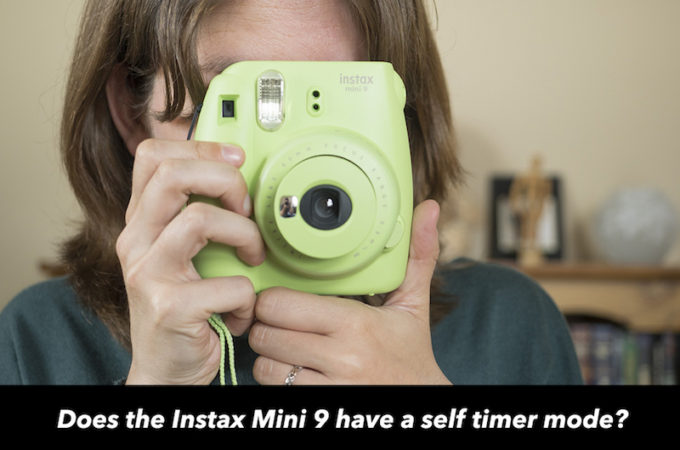 Does the Fujifilm Instax Mini 9 have a self timer?